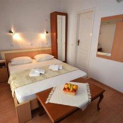 Отель Čenić Черногория, Рафаиловичи - отзывы, цены и фото номеров - забронировать отель Čenić онлайн в номере фото 2