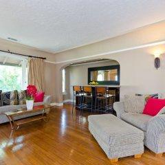Отель LA157 2 Bedroom Apartment By Senstay США, Лос-Анджелес - отзывы, цены и фото номеров - забронировать отель LA157 2 Bedroom Apartment By Senstay онлайн комната для гостей фото 3