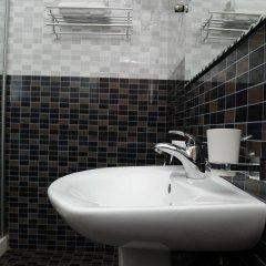 Отель Mount Pleasant Inns & Apartment Гана, Кофоридуа - отзывы, цены и фото номеров - забронировать отель Mount Pleasant Inns & Apartment онлайн ванная