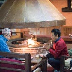 Отель Dhulikhel Village Resort Непал, Дхуликхел - отзывы, цены и фото номеров - забронировать отель Dhulikhel Village Resort онлайн гостиничный бар