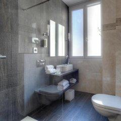 Отель Best Western Hotel de Madrid Nice Франция, Ницца - отзывы, цены и фото номеров - забронировать отель Best Western Hotel de Madrid Nice онлайн ванная