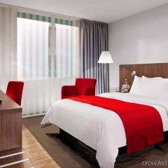 Отель Holiday Inn Düsseldorf - Hafen комната для гостей