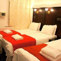 Plaza London Hotel сейф в номере