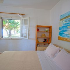 Гостевой Дом Barlee BeachFront House Metamorfosi комната для гостей фото 2