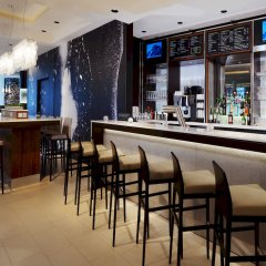 Отель Courtyard Köln Германия, Кёльн - 1 отзыв об отеле, цены и фото номеров - забронировать отель Courtyard Köln онлайн гостиничный бар