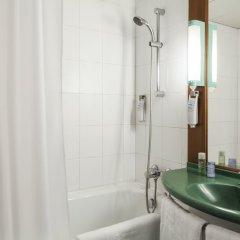 Отель ibis Paris Porte De Bercy Франция, Шарантон-ле-Пон - 1 отзыв об отеле, цены и фото номеров - забронировать отель ibis Paris Porte De Bercy онлайн ванная фото 2