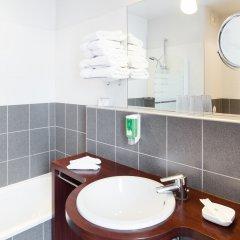 Отель Best Western Adagio Франция, Сомюр - отзывы, цены и фото номеров - забронировать отель Best Western Adagio онлайн ванная фото 2