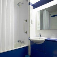 Отель Travelodge Harlow ванная