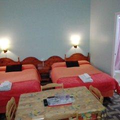 Отель Hostal Pensio 2000 в номере