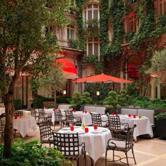 Hotel Plaza Athenee Париж питание фото 2