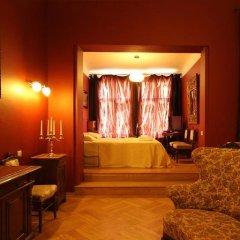 Отель Small Luxury Palace Residence развлечения