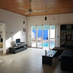 Negombo Blue Villa Hotel комната для гостей