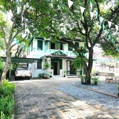 Отель 24 Samsen Heritage House Бангкок парковка