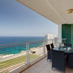 Отель Seafront LUX Apartment wt Pool, Upmarket Area Мальта, Слима - отзывы, цены и фото номеров - забронировать отель Seafront LUX Apartment wt Pool, Upmarket Area онлайн балкон