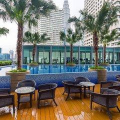Отель Vortex KLCC Apartments Малайзия, Куала-Лумпур - отзывы, цены и фото номеров - забронировать отель Vortex KLCC Apartments онлайн бассейн