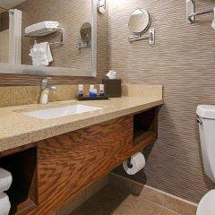 Отель Best Western Plus Rama Inn & Suites ванная
