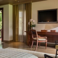 Отель Four Seasons Resort Chiang Mai удобства в номере