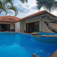 Отель Tranquillo Pool Villa бассейн