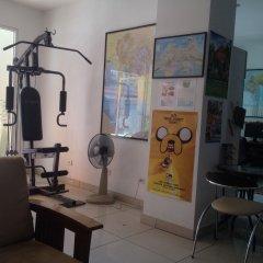 Отель Jomtien Hostel Таиланд, Паттайя - 1 отзыв об отеле, цены и фото номеров - забронировать отель Jomtien Hostel онлайн фитнесс-зал фото 2