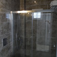 Akcay Boutique Hotel Турция, Дикили - отзывы, цены и фото номеров - забронировать отель Akcay Boutique Hotel онлайн ванная фото 2