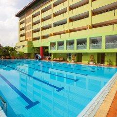 Отель The Aiyapura Bangkok бассейн фото 2