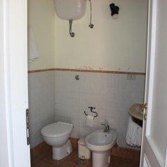 Отель Azienda Agrituristica Le Puzelle Санта Северина ванная фото 2
