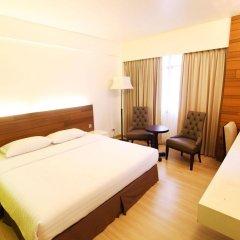 Отель Residence Rajtaevee Бангкок комната для гостей фото 5
