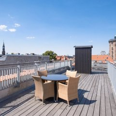 Отель Bright and Modern Apartment With a Rooftop Terrace in the Center of Copenhagen Дания, Копенгаген - отзывы, цены и фото номеров - забронировать отель Bright and Modern Apartment With a Rooftop Terrace in the Center of Copenhagen онлайн балкон