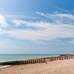 Regent Hotel пляж фото 2