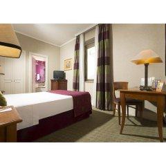 Hotel Dei Mellini сейф в номере