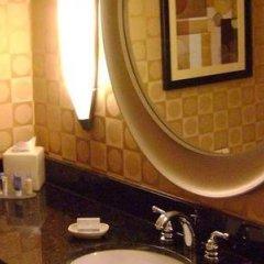Отель DoubleTree by Hilton Columbus/Worthington США, Колумбус - отзывы, цены и фото номеров - забронировать отель DoubleTree by Hilton Columbus/Worthington онлайн ванная