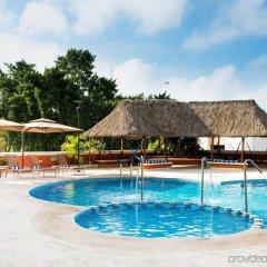 Отель Holiday Inn Merida Mexico бассейн фото 2
