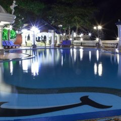 Ivy Hotel бассейн