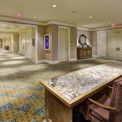 Отель JW Marriott The Rosseau Muskoka Resort интерьер отеля фото 3