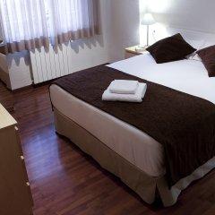 Отель Apartamentos Turisticos Madanis Испания, Оспиталет-де-Льобрегат - 2 отзыва об отеле, цены и фото номеров - забронировать отель Apartamentos Turisticos Madanis онлайн комната для гостей фото 3