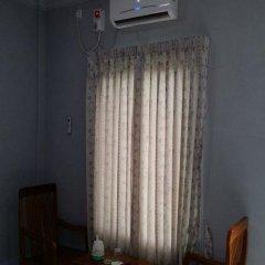 Отель Mya Kyun Nadi Motel сейф в номере