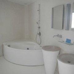 Отель Rocabella Santorini Hotel Греция, Остров Санторини - отзывы, цены и фото номеров - забронировать отель Rocabella Santorini Hotel онлайн ванная