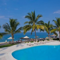 Отель Plaza Pelicanos Grand Beach Resort бассейн