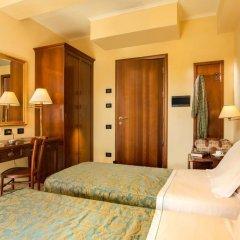 Hotel Verdeborgo сейф в номере