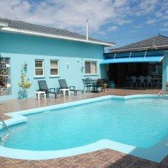 Отель Eslyn Villa Ямайка, Ранавей-Бей - отзывы, цены и фото номеров - забронировать отель Eslyn Villa онлайн бассейн фото 2
