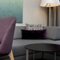 Отель Adina Apartment Hotel Copenhagen Дания, Копенгаген - 1 отзыв об отеле, цены и фото номеров - забронировать отель Adina Apartment Hotel Copenhagen онлайн удобства в номере фото 2