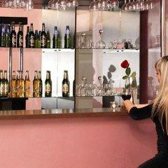 Гостиница Uyutnaya Orenburg в Оренбурге отзывы, цены и фото номеров - забронировать гостиницу Uyutnaya Orenburg онлайн Оренбург гостиничный бар