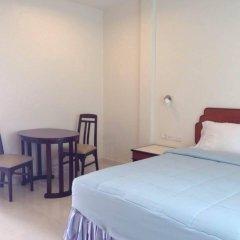 Отель Kasemsuk Guesthouse комната для гостей фото 3