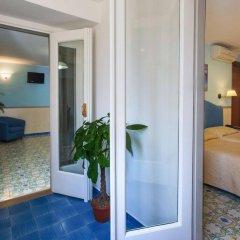 Отель Amalfi Hotel Италия, Амальфи - 1 отзыв об отеле, цены и фото номеров - забронировать отель Amalfi Hotel онлайн комната для гостей фото 4