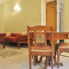 Om Niwas Suite Hotel интерьер отеля