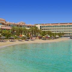 Al Raha Beach Hotel Villas пляж