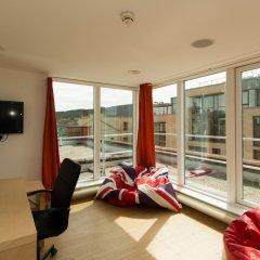 Отель Destiny Student - Cowgate (Campus Accommodation) Великобритания, Эдинбург - отзывы, цены и фото номеров - забронировать отель Destiny Student - Cowgate (Campus Accommodation) онлайн балкон