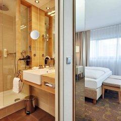 Отель H+ Hotel Salzburg Австрия, Зальцбург - 1 отзыв об отеле, цены и фото номеров - забронировать отель H+ Hotel Salzburg онлайн ванная фото 2