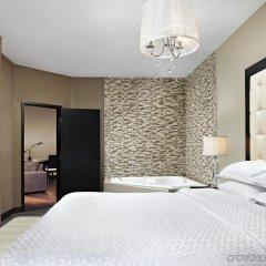 Отель Four Points by Sheraton Hotel & Suites Calgary West Канада, Калгари - отзывы, цены и фото номеров - забронировать отель Four Points by Sheraton Hotel & Suites Calgary West онлайн комната для гостей фото 3