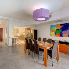Отель Seaview Apartment In Fort Cambridge, Sliema Мальта, Слима - отзывы, цены и фото номеров - забронировать отель Seaview Apartment In Fort Cambridge, Sliema онлайн питание